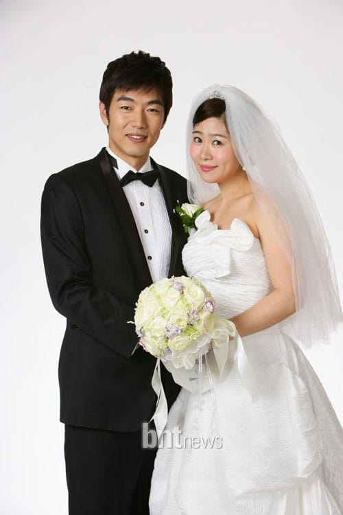 http://www.koreandrama.org/wp-content/uploads/2010/06/marry4.jpg