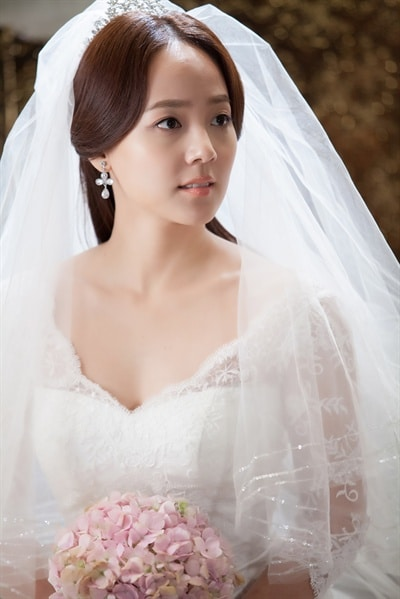 http://www.koreandrama.org/wp-content/uploads/2012/12/A-Hundred-Years-Inheritance2.jpg